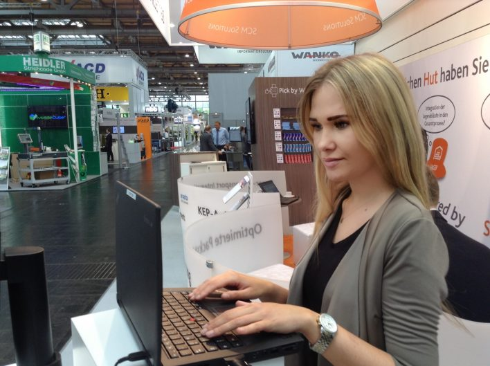 Messehostess Domotex Hannover